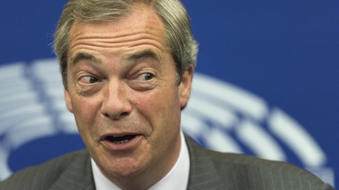 Farage echará de menos ser el «villano» en el «teatro» del Parlamento Europeo