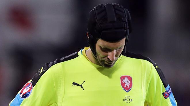 Petr Cech anuncia que deja la portería de la selección checa