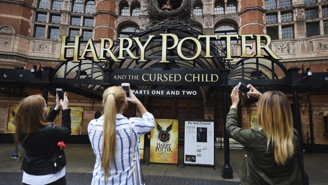 Expectación en Londres ante el estreno de la primera obra teatral de Harry Potter
