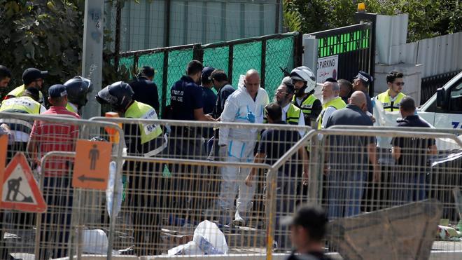 Un palestino mata a dos personas y deja heridas a otras cinco en Jerusalén