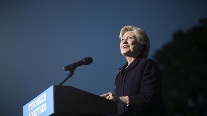 Clinton afirmó que Arabia Saudí y Qatar daban apoyo a EI, según Wikileaks