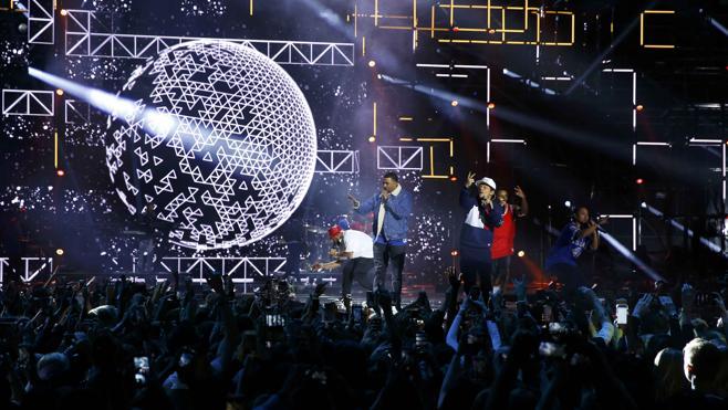 Justin Bieber y Lady Gaga triunfan en los Premios MTV Europe a ritmo de Bruno Mars