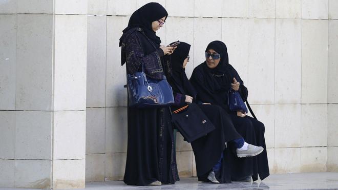 El príncipe saudí: «Ya es hora de que las mujeres comiencen a conducir sus coches»