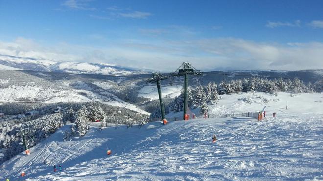 Las nevadas cubren las estaciones catalanas