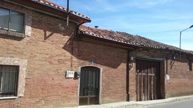 Hallan muertos sin signos de violencia a dos hombres de 39 años en Palencia