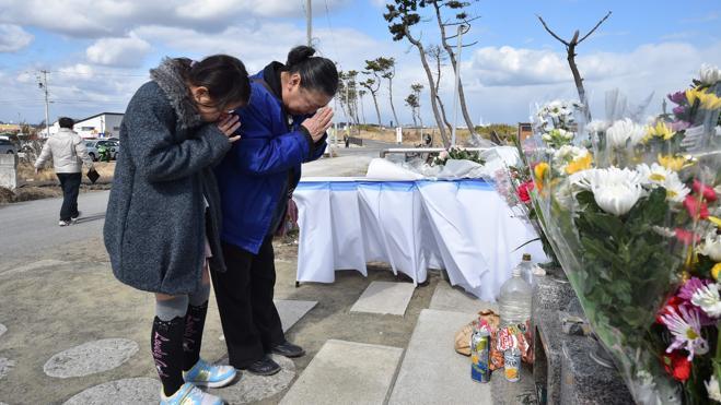Japón conmemora con un minuto de silencio el sexto aniversario del tsunami