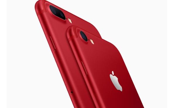 Apple presenta iPads más baratos y tiñe el iPhone 7 de rojo