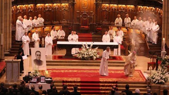 Echenique, sobre la misa en TVE: «La CEE ya tiene una televisión a la que destina más dinero que a Cáritas»