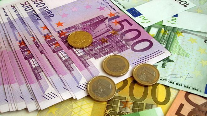 El Tesoro capta 4.796 millones en una subasta de bonos y obligaciones