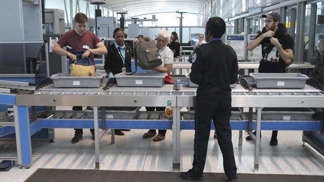 EE UU estudia prohibir los portátiles en cabina en todos los vuelos que lleguen del extranjero