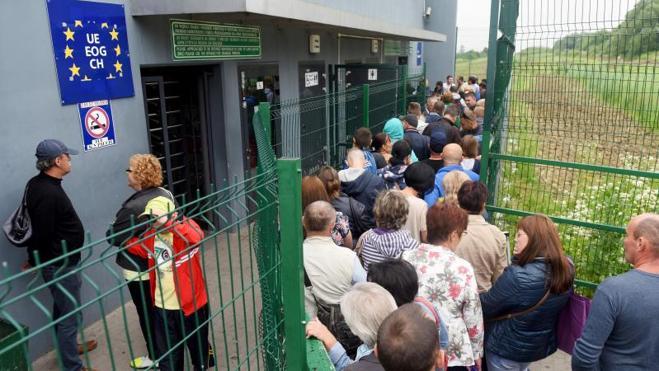La UE abre sus fronteras a los ucranianos, pero con condiciones