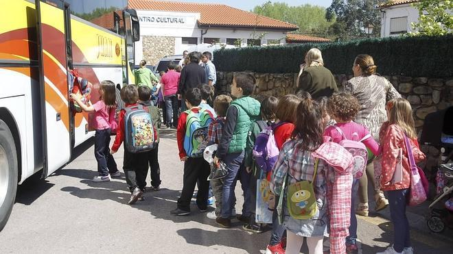 Alsa no tendrá que indemnizar a los conductores despedidos del transporte escolar