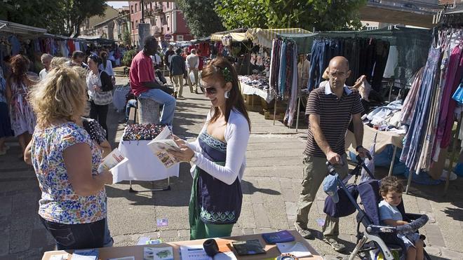 La OMIC informa sobre la congelación de tarifas eléctricas a colectivos desfavorecidos