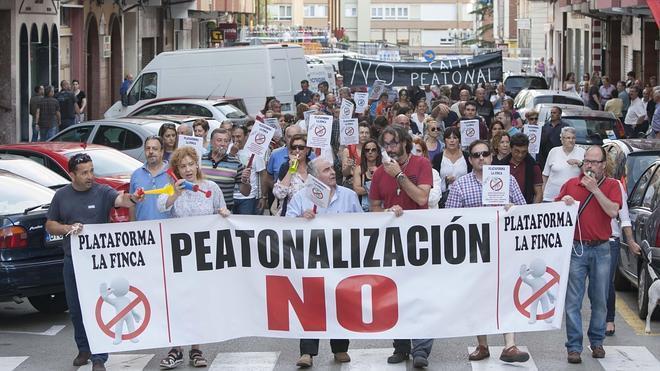 Manifestación contra la peatonalización