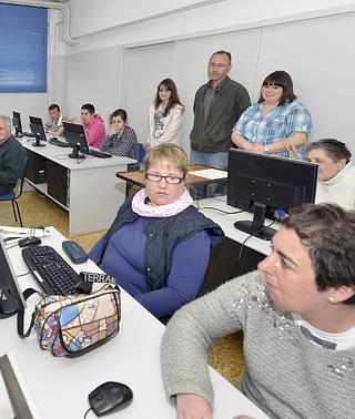 Los cursos de informática se hacen más accesibles a personas con discapacidad