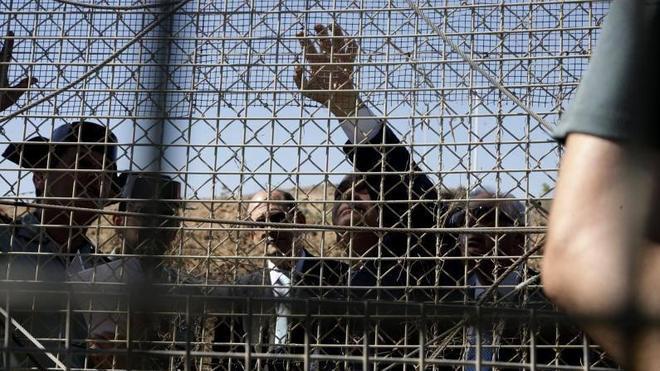 Unos 1.000 inmigrantes protagonizan un nuevo intento de entrada a Melilla