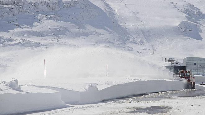 Los cañones de nieve de Alto Campoo incluirán una cinta cubierta para el transporte de esquiadores