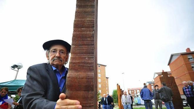 Ibarrola rinde homenaje a generaciones de trabajadores del metal en Reinosa