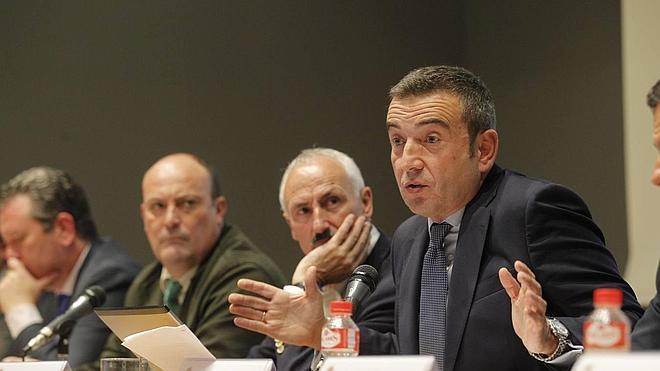 González Pescador deja la portavocía del Racing tras la crisis por el relevo de Paco Fernández
