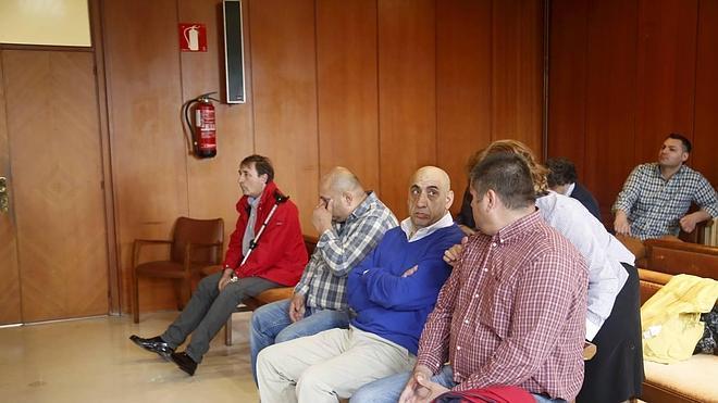 Se suspende el juicio contra los siete acusados de formar una red de prostitución