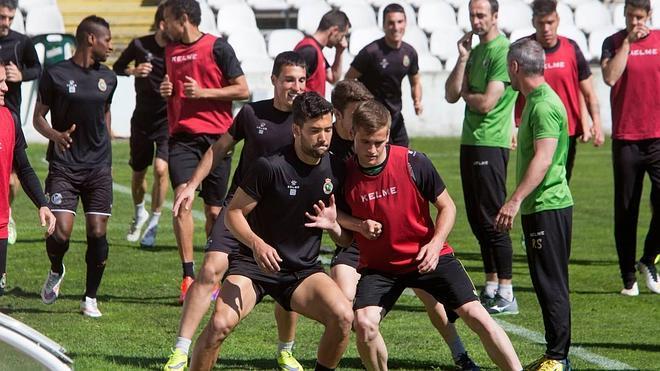 Munitis apuesta por Andreu por delante de la defensa y Sylla como único delantero