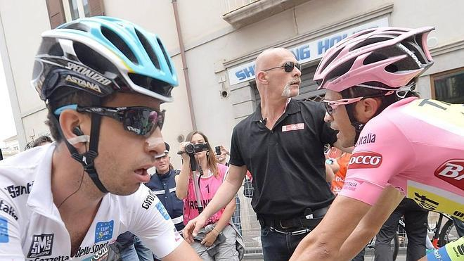 Contador salva la primera semana