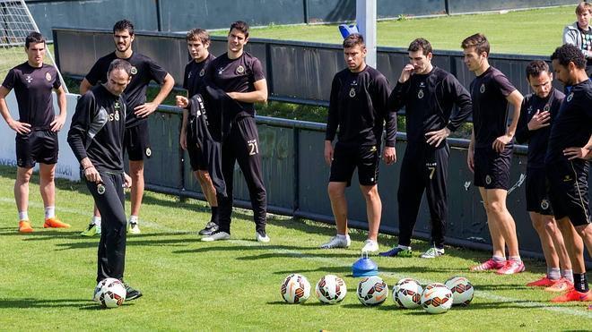 Los rivales del Racing en la lucha por la salvación descartan a Barça B y Recreativo