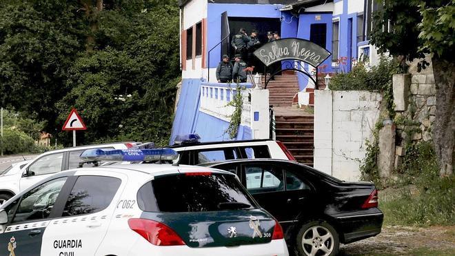 Una juerga de sexo y drogas precedió a la reyerta mortal del Selva Negra