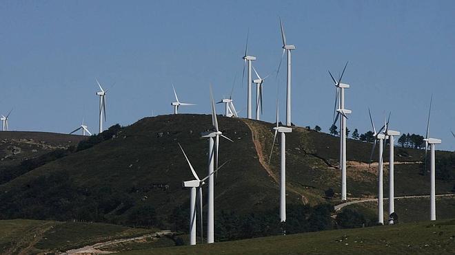 Una empresa tramita dos parques eólicos con 16 molinos en la zona pasiega de Cantabria