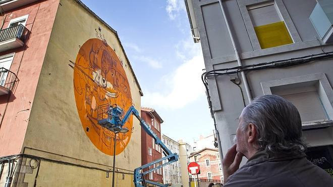 El arte urbano de Dulk deja su huella en Santander