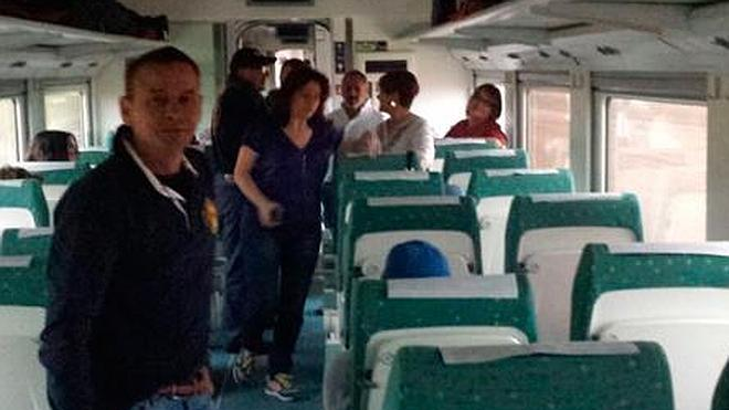 Una nueva avería de la catenaria deja tirados a cinco trenes con 600 pasajeros
