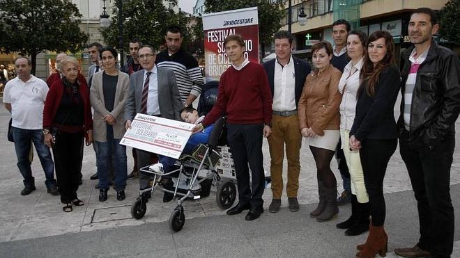 6.600 euros para Izan, Daniel y Cristina