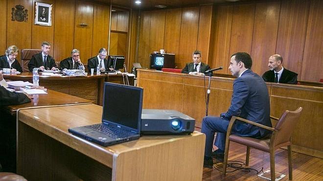 El Fiscal y Loroño mantienen la acusación contra Acayro pero rebajan la pena solicitada
