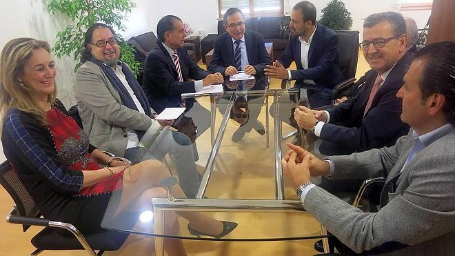 Torrelavega solicitará al Gobierno que la Cámara de Comercio esté en la Mesa del Besaya