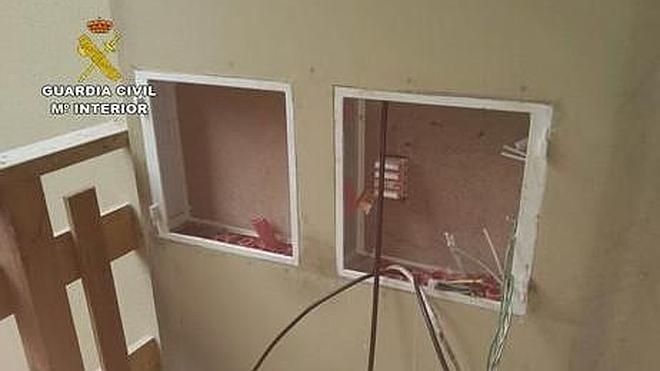 Dos detenidos por el robo de cableado de cobre en once viviendas de Bustablado