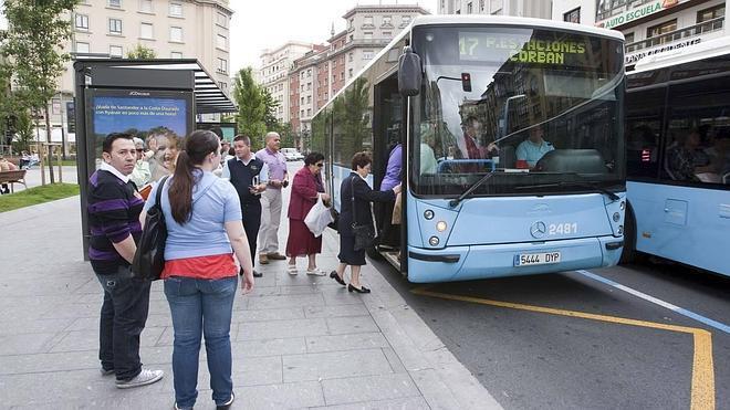 Los últimos autobuses en Nochevieja saldrán entre las 20.05 y las 21.35 horas