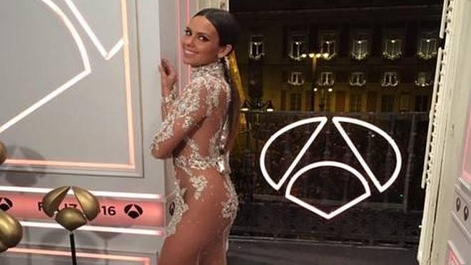 Cristina Pedroche vuelve a triunfar con su vestido... y de nuevo recibe descalificaciones