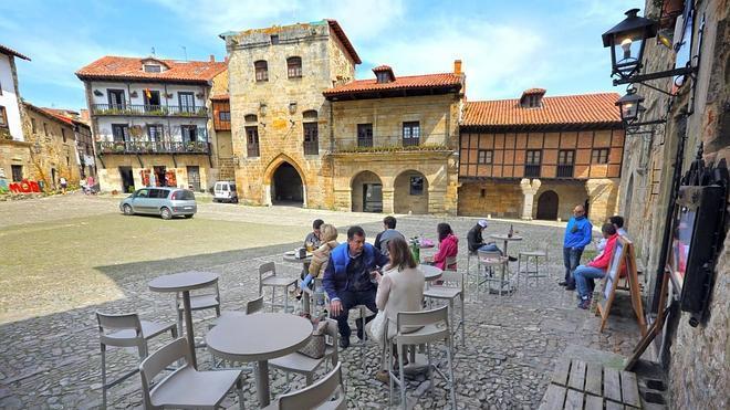 Santillana del Mar, entre los diez pueblos con más encanto de España, según la Guía Repsol