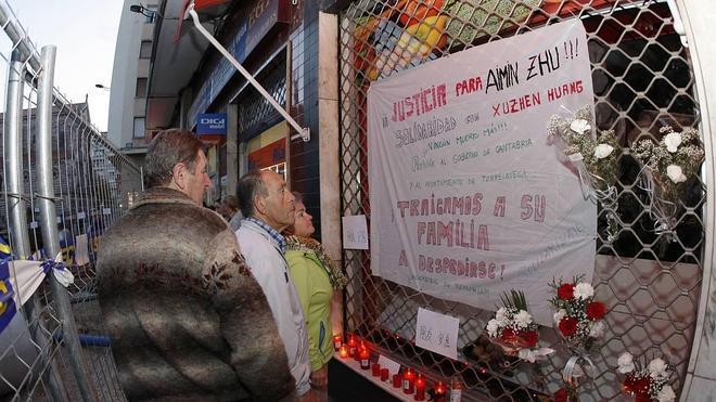La Audiencia deja en prisión a los tres jóvenes imputados en la muerte del tendero chino