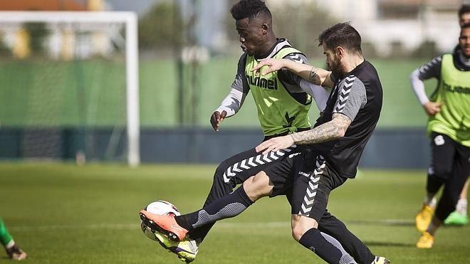 Primer entrenamiento de la temporada sin lesionados en La Albericia