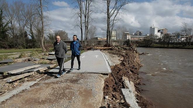 Cantabria hace balance de daños y pedirá a la CHC que limpie los ríos