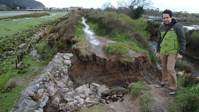 Santoña urge a Costas la reparación del dique de Bengoa