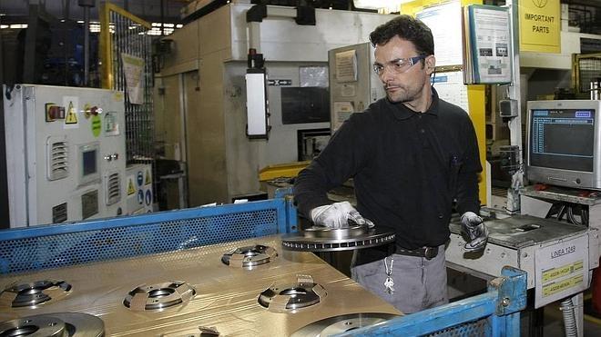 Nissan anuncia a la plantilla un excedente de 55 trabajadores en Los Corrales