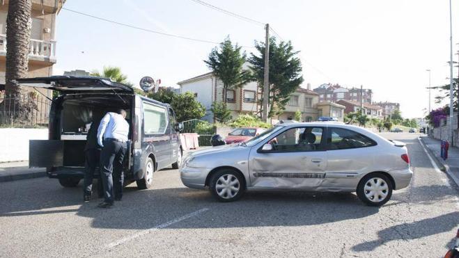 Muere un motorista al chocar contra un turismo en Monte