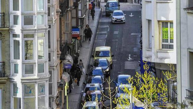 La calle Cervantes será peatonal con un carril de circulación restringida