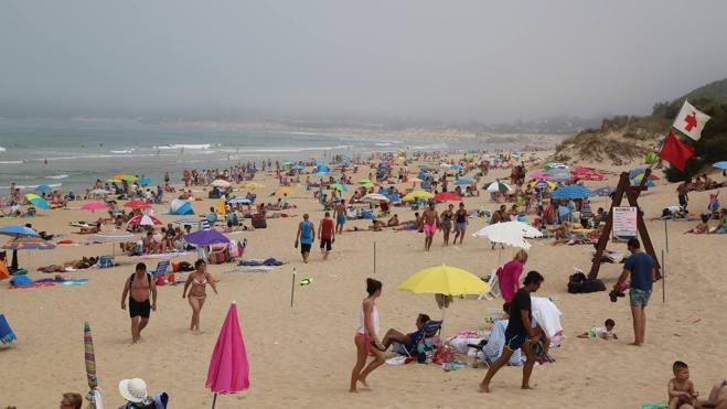 Playas escondidas bajo una repentina e intensa bruma