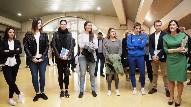 Una muestra recoge en Santander el ejemplo de las mujeres deportistas