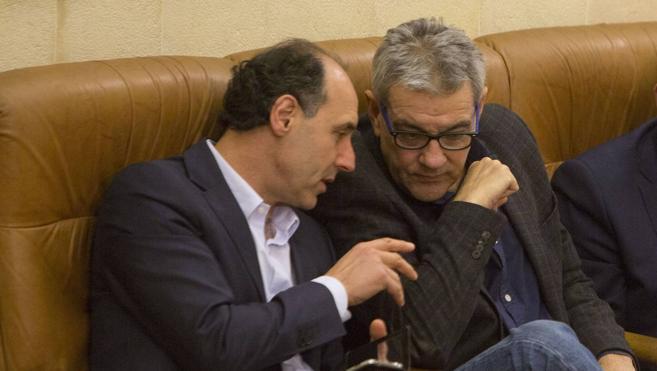 Los diputados díscolos del PP mantienen su pulso con Cospedal y no relevarán a Van den Eynde
